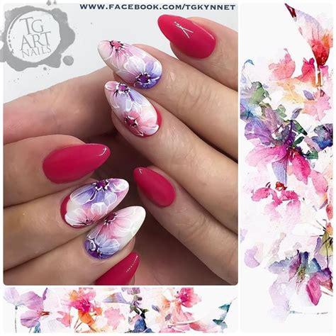 fiori su unghie oltre 25 fantastiche idee su unghie con fiori su