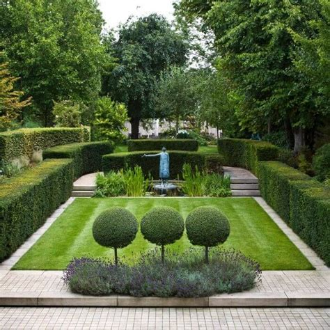 Formal Garden Layout Best 20 Formal Gardens Ideas On Pinterest Formal Garden Design Courtyard Gardens And Small