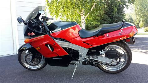 Kawasaki Zx10 the classic that started the speed wars the 1988