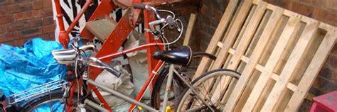lada fai da te carta rastrelliera per le bici con il pallet