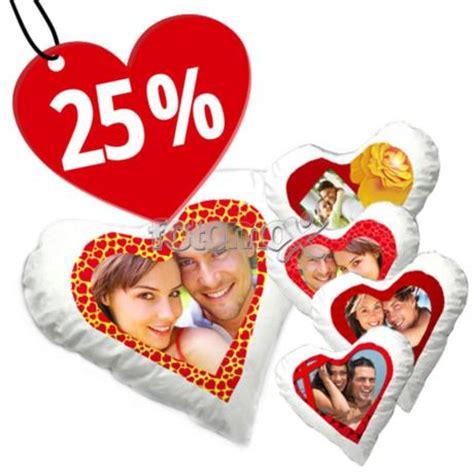 cuscino per san valentino cuscino a cuore con foto regalalo per san valentino fotomox