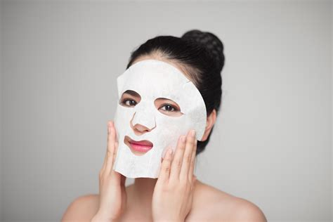 Masker Untuk Kulit Berjerawat ini 8 alasan masker penting untuk kulit berjerawat