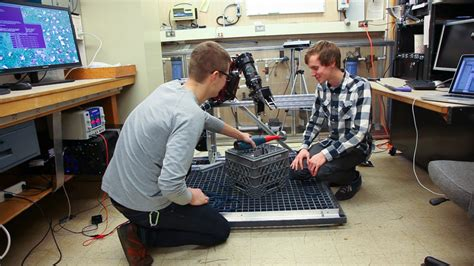 last day of classes electrical and computer engineering uw startup creates underwater robotics with a human touch 4040