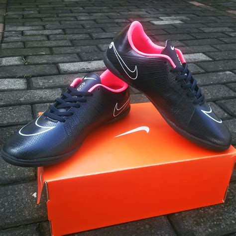 Sepatu Bola Nike Mercurial Vapor 8 jual sepatu futsal nike mercurial vapor x superfly hitam