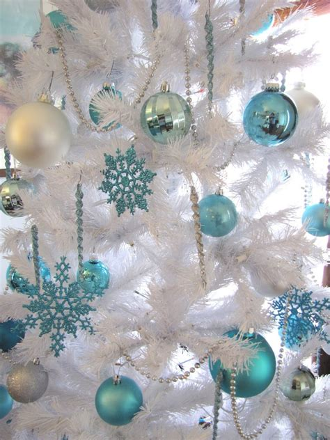 25 blue christmas decorations ideas magment