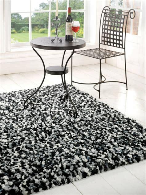 Runder Weisser Teppich by Der Shaggy Teppich Eine Echte Attraktion Im Zimmer