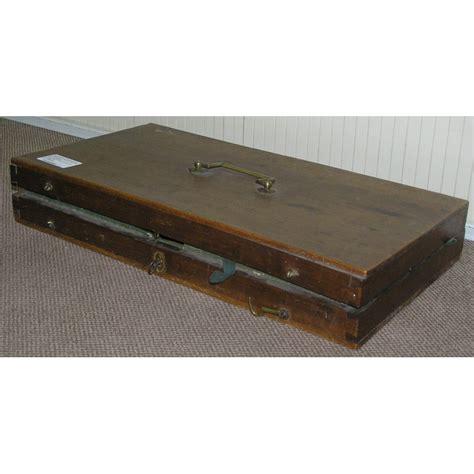 bureau en acajou avec 5 tiroirs dessus cuir