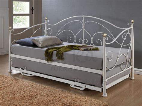 Daybeds Uk Everything Plus A Daybed Mattress For Cheap Best