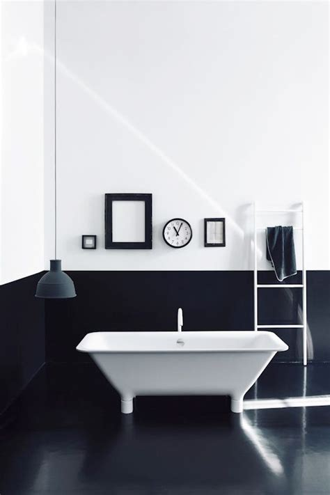 black and white home design inspiration diy 리폼 gt 모던 화이트 블랙의 색감이 조화로운 욕실인테리어 예쁜욕실소품