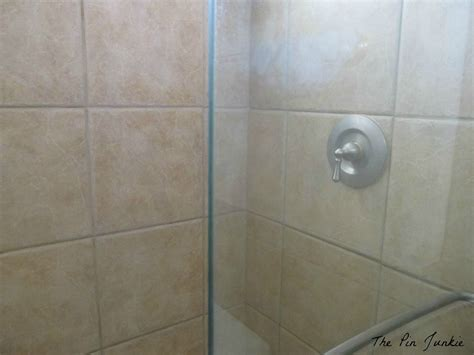 Shower Doors Cleaning How To Clean Glass Shower Doors The Easy Way