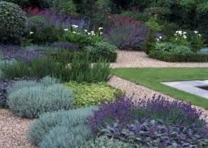 Low Maintenance by Low Maintenance Gardens High Living Barnet