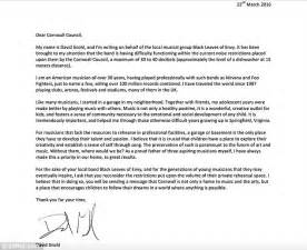 Complaint Letter To District Council Foo Fighters Dave Grohl Backs Cornwall Garage Band Black Leaves Of Envy Daily Mail