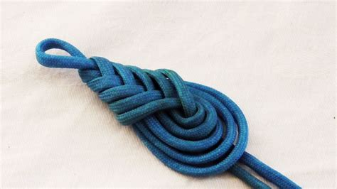 Easy Decorative Knots - knot tying tutorial learn how to make a paracord
