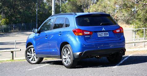 Mitsubishi Tv Ls by Comparison Mitsubishi Asx Ls 5 Door Wagon Vs Renault