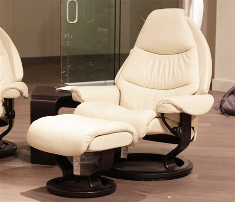 stressless voyager recliner stressless voyager paloma light grey leather by ekornes