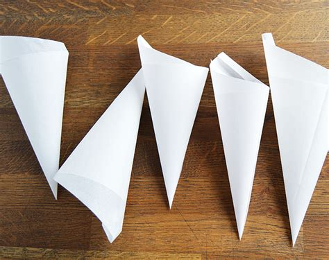 How To Make Cone Out Of Paper - 101 paper cones s food kitchen