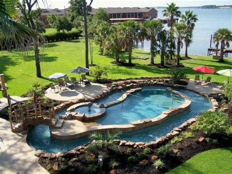 Backyard Lazy River Cost by Best 25 Backyard Lazy River Ideas On Pool