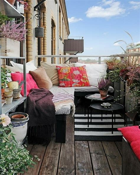 kleiner balkon kleinen balkon gestalten laden sie den sommer zu sich ein