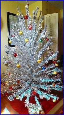 peco aluminum christmas tree vintage peco 7ft 151 branch custom pompom aluminum tree with color wheel