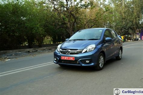 Car With Best Fuel Milage by Best Mileage Cars In India Top Fuel Efficient Cars With