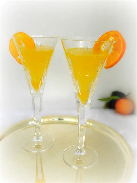 easy cocktails for 10 easy chagne cocktails kerryannmorgan