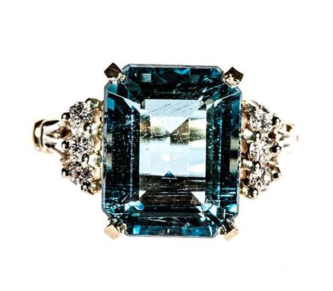 vintage14k yellow gold emerald cut 4 25ct emerald cut