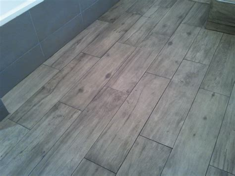 Joint Carrelage Imitation Parquet by Poser Du Carrelage Imitation Parquet Sans Joint