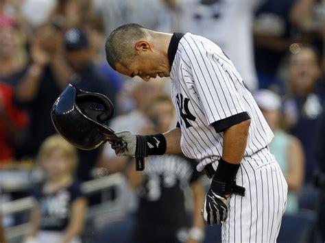 How Many Hits Does Ichiro Suzuki In The Mlb Ichiro Suzuki Reaches 4 000 Hits In Mlb Japanese Baseball