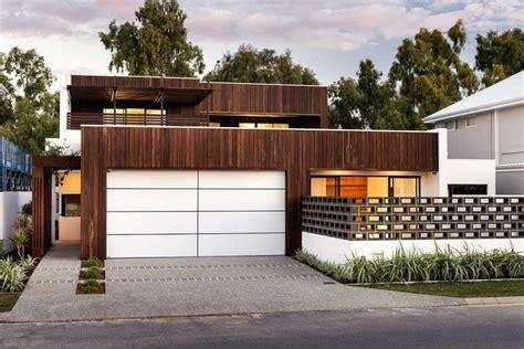 18 inspirational exles of modern garage doors