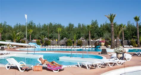 Camping avec parc aquatique dans le Sud de la France Les Méditerranées