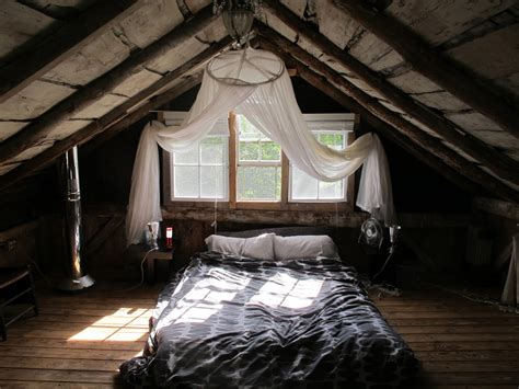 rustic attic bedroom comfy bed on floor for simple bedroom decor ideas