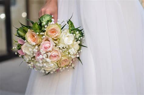 bouquet di fiori per sposa fiori per un bouquet da sposa primaverile pollicegreen