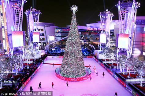 christmas tree at the los angeles staples center beautiful trees around the world 11 chinadaily cn