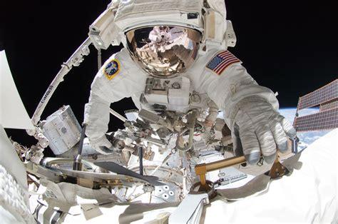 46 fabulous photos of endeavour s last ever spacewalk