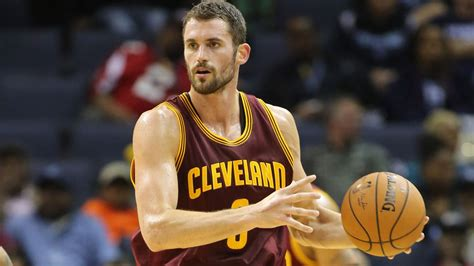 who is the cavaliers player with the high hair report cavs looking to sign and trade kevin love this