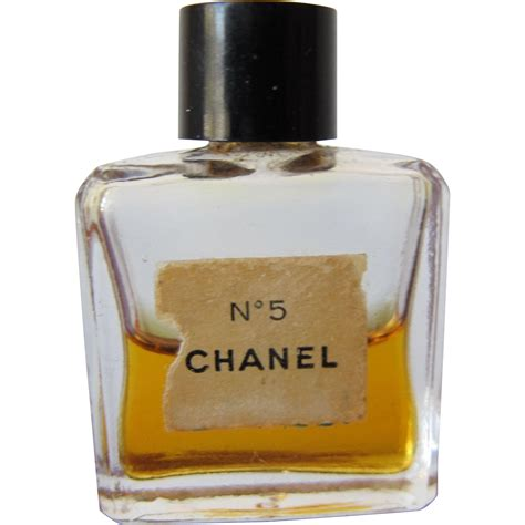 Parfum Chanel Mini mini perfume bottle of chanel no 5 with perfume parfum time in a bottle ruby
