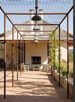 who uses sh t to build a house rostigt i tr 228 dg 229 rden v 228 lkommen till magasinet i sankt anna