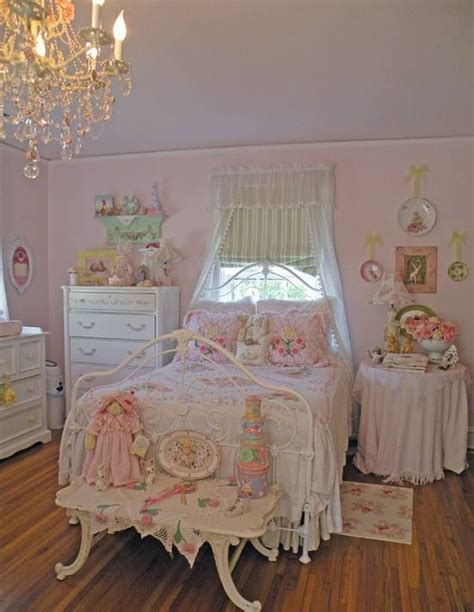 shabby chic bedroom suite best 25 shabby chic chandelier ideas on pinterest