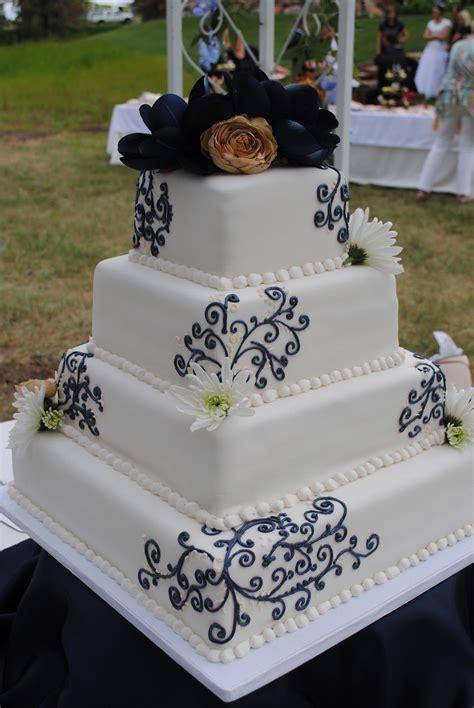 Wedding Cake Navy by Navy Chagne Wedding Cake Becky S Cake Navy Blue