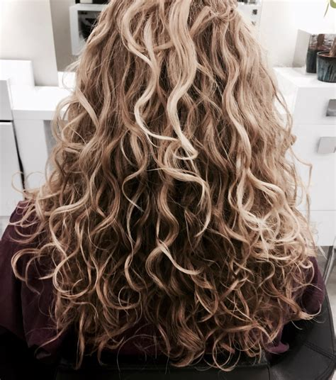 hair dressers who specialize in curly hair birmingham alabama curly hair our stylists specialize in curly hair let us