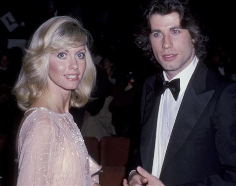 olivia newton john y john travolta olivia newton john and john travolta at the academy awards