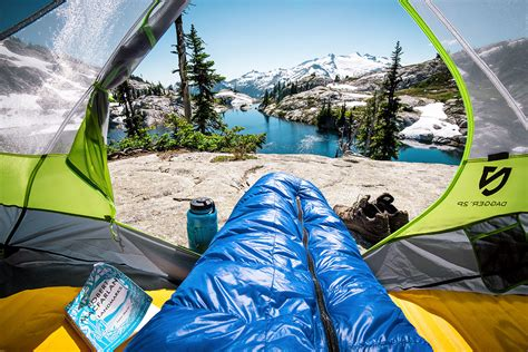 best backpacking sleeping bags of 2018 switchback travel