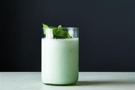 grasshopper cocktail how to make a blended grasshopper shake genius recipes