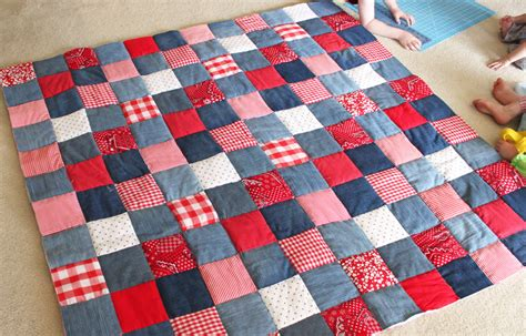 How To Make A Patchwork Quilt Out Of Baby Clothes - diy picnic quilt from cutesy crafts