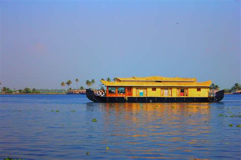 boat house online kerala boat house booking online alleppey houseboat club