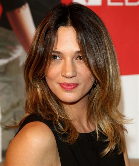 hairsyles that suit a long narrow face 16 flattering haircuts for long face shapes