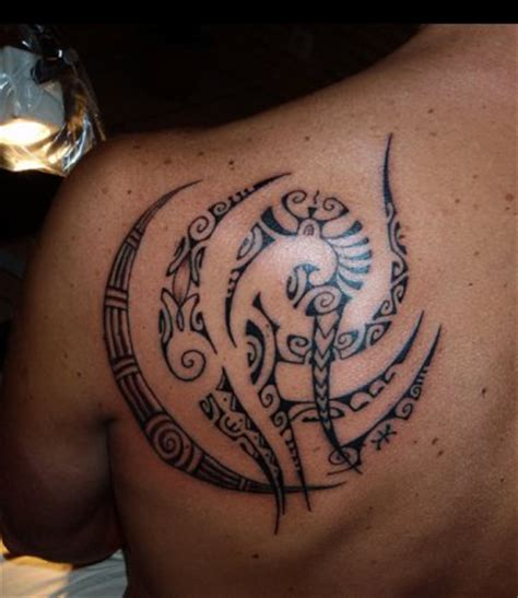 shoulder blade tattoos for men ideas shoulder polynesian tattoos blade