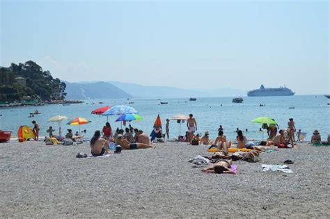capitaneria di porto santa margherita ligure mare sicuro a santa margherita due bagnini sulla spiaggia