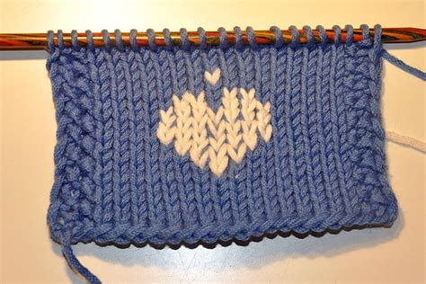 knitting duplicate stitch how to embroider with duplicate stitch on knitted fabric