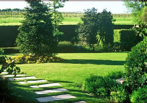 foto giardino splendido giardino verde smeraldo notizie it